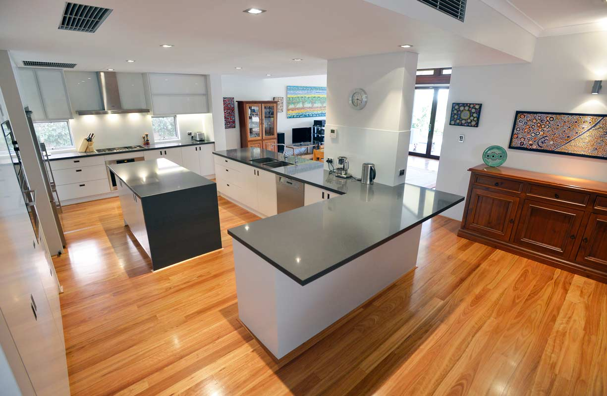 Architect designed kitchen and interior in Dalkeith, Perth by Perth Architect Threadgold Architecture.
